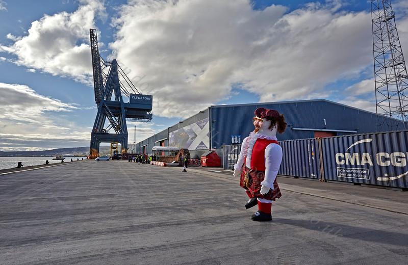 Scotsman Dances a Welcome - Ocean Terminal - 15 May 2013