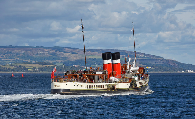 PS Waverley passing Greenock - 10 August 2018