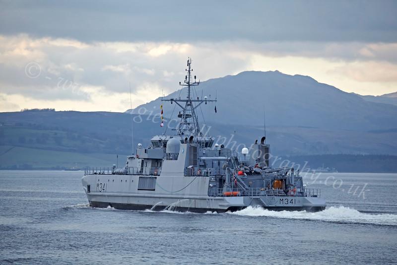 Karmøy (M341) - Off Port Glasgow Departing the Clyde - 18 October 2012