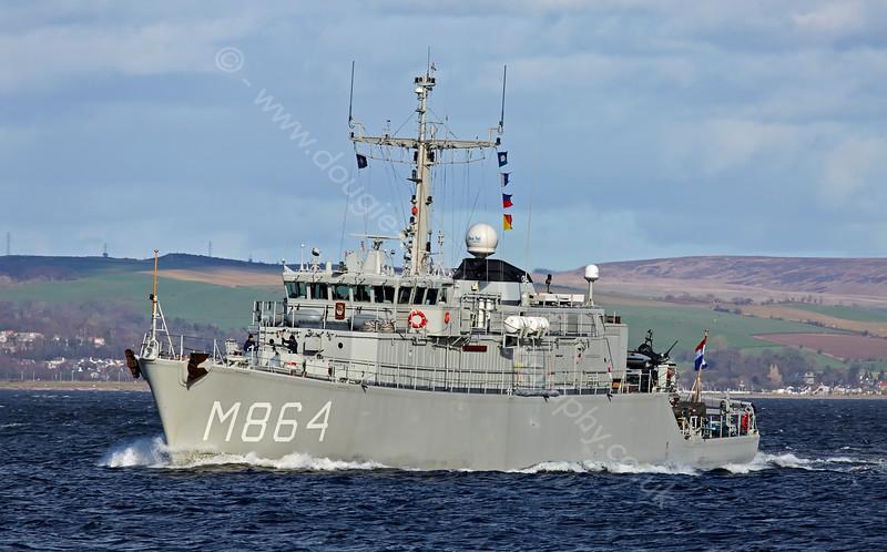 HNLMS Willemstad (M864) passing Greenock - 12 April 2015