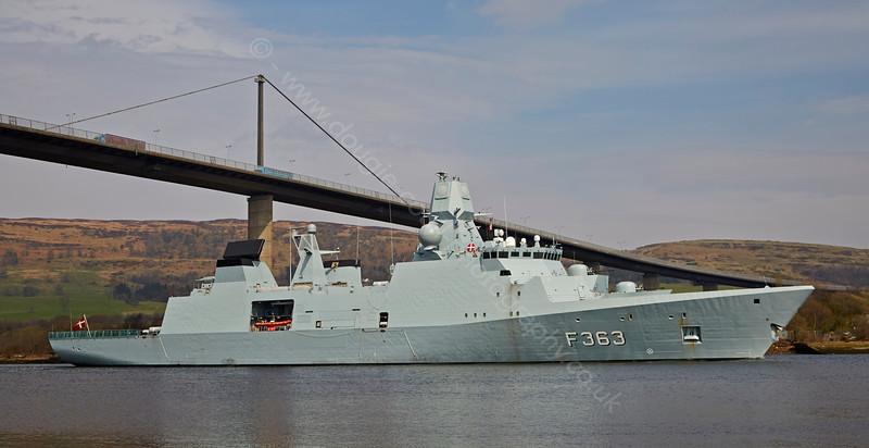 HDMS Niels Juel (F363) at Erskine Bridge - 10 April 2015