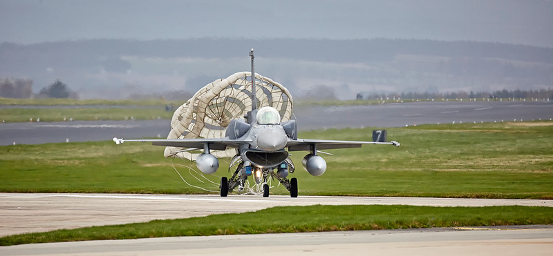 Chute released onTurkish F-16 at Lossiemouth - 12 April 2016