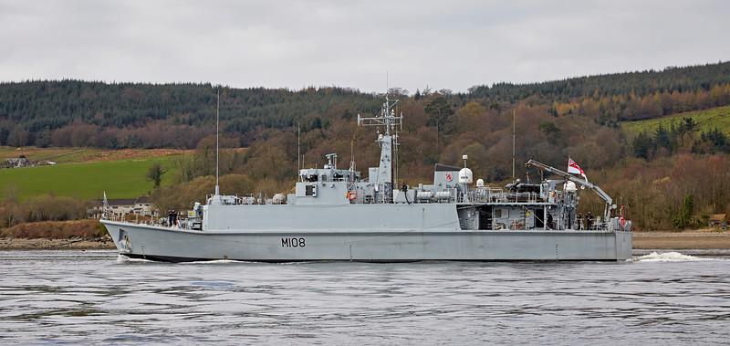 HMS Grimsby (M108) off Rhu Spit - 10 April 2016