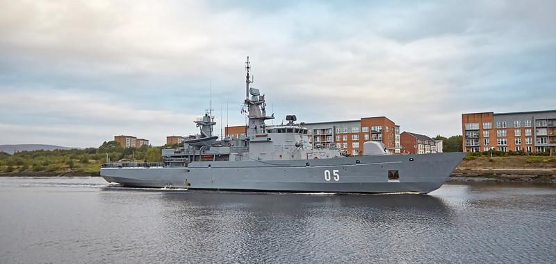 'FNS Uusimaa' (05) off Renfrew - 7 October 2016
