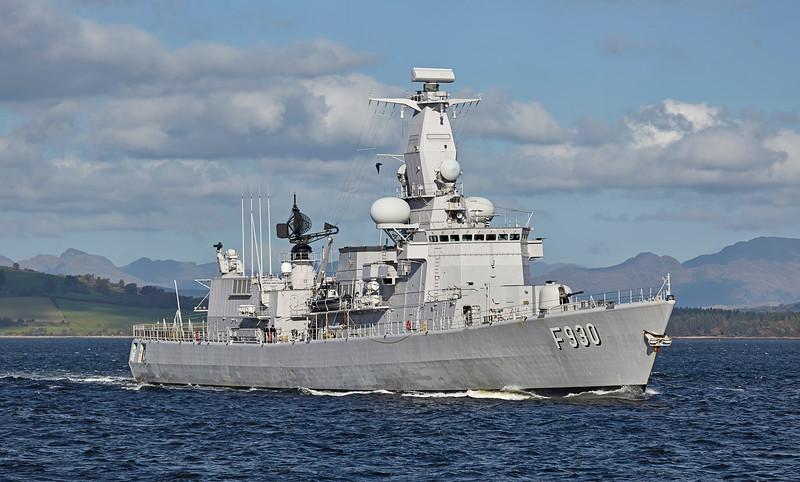 BNS Leopold I (F930) passing Greenock - 6 October 2016
