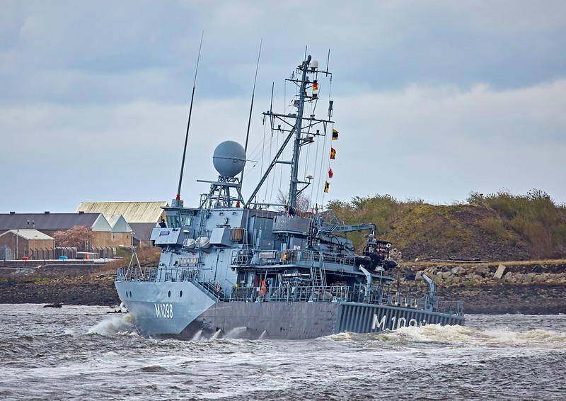 FGS Siegburg (M1098) passing Custom House Quay - 22 March 2017