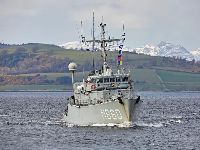HNLMS Schiedam (M860) passing Greenock - 23 March 2017