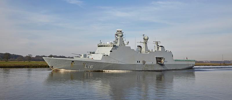 HDMS Absalon (L16) near Erskine - 24 March 2017