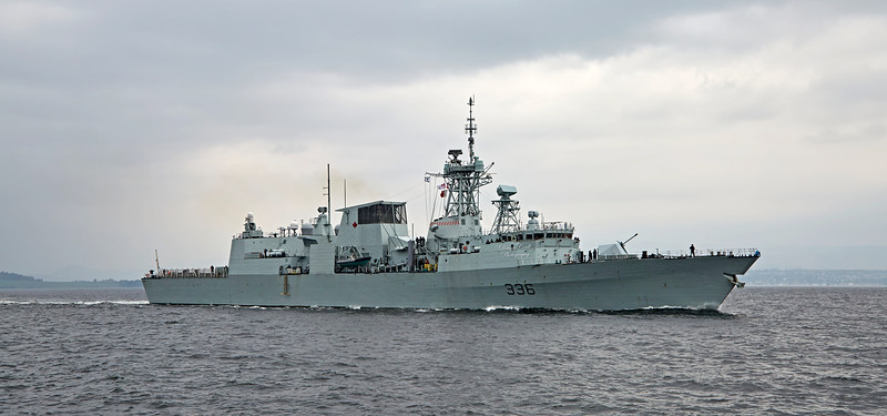 HMCS Montréal (FFH 336) off Greenock - 27 September 2017