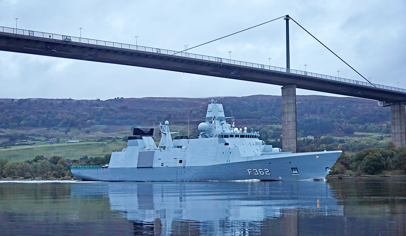HDMS Peter Willemoes (F362) - Erskine Bridge - 29 September 2017