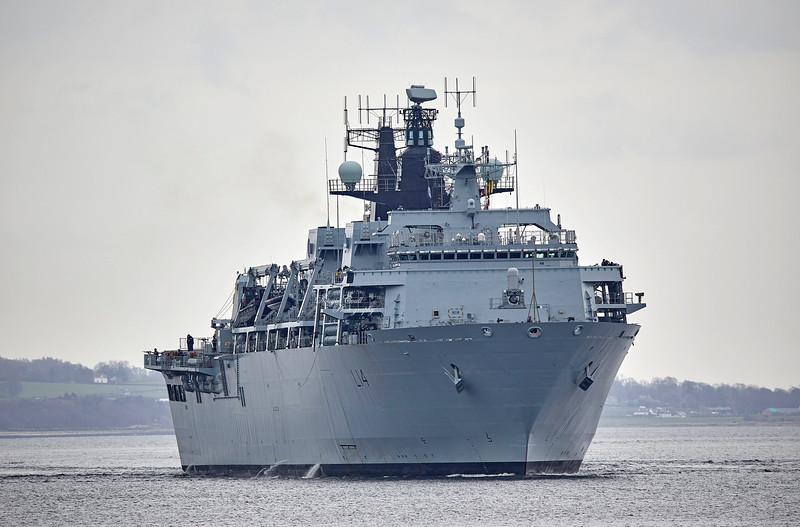 HMS Albion (L14) at Rhu - 29 March 2019