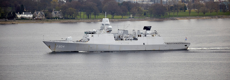 HNLMS De Ruyter (F804) passing Langbank - 1 April 2019