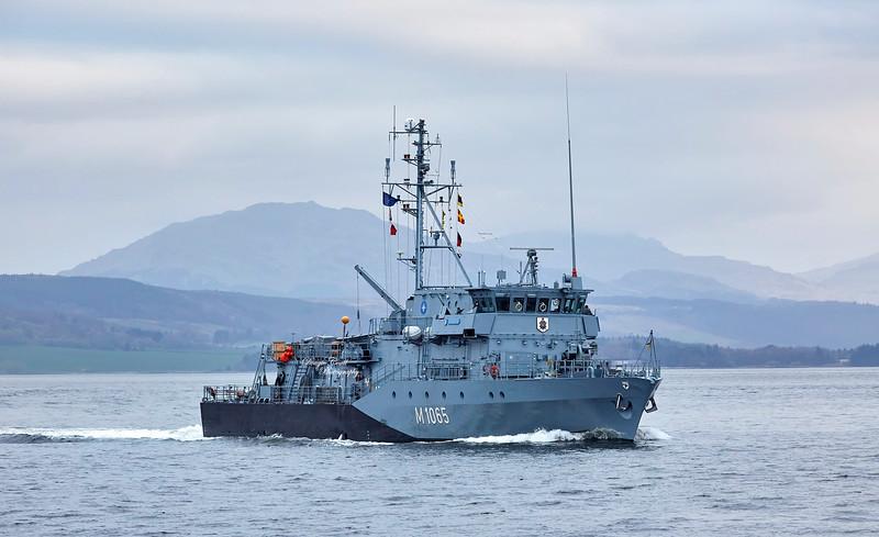 FGS Dillingen (M1065) passing Port Glasgow - 28 March 2019