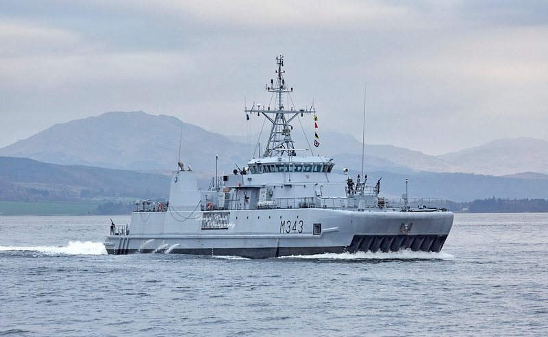 KNM Hinnoy (M343) off Greenock - 28 March 2019