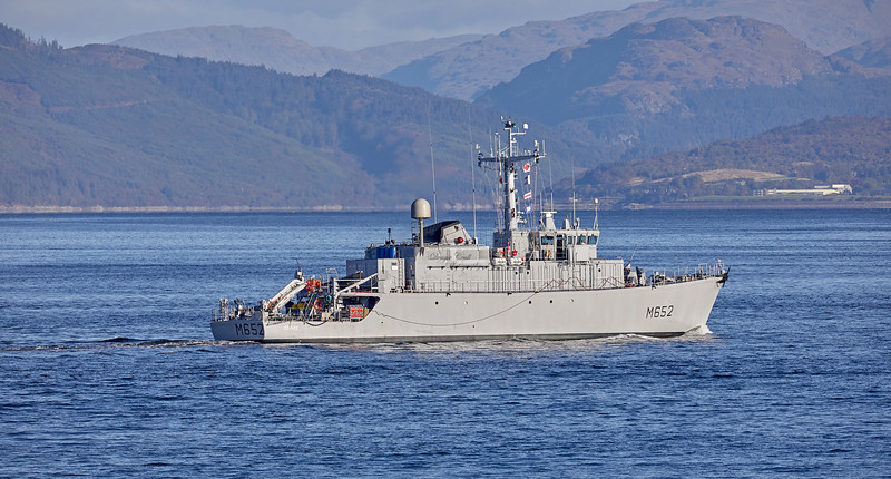 FNS Cephee (M652) off Cloch Point, Gourock - 2 October 2019