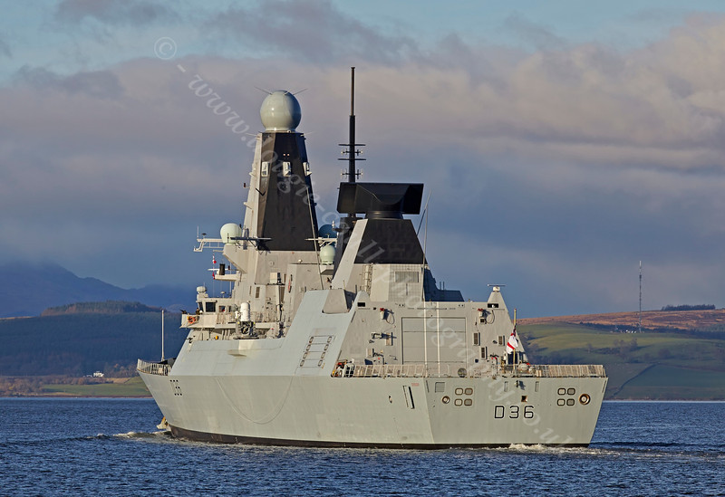 'HMS Defender' Passing  Port Glasgow - 1 December 2013