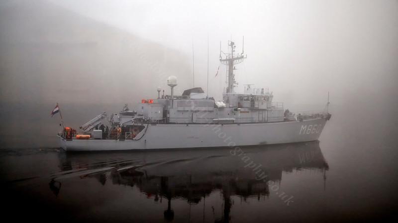 HNLMS Schiedam (M860) Passing Braehead - 25 November 2013
