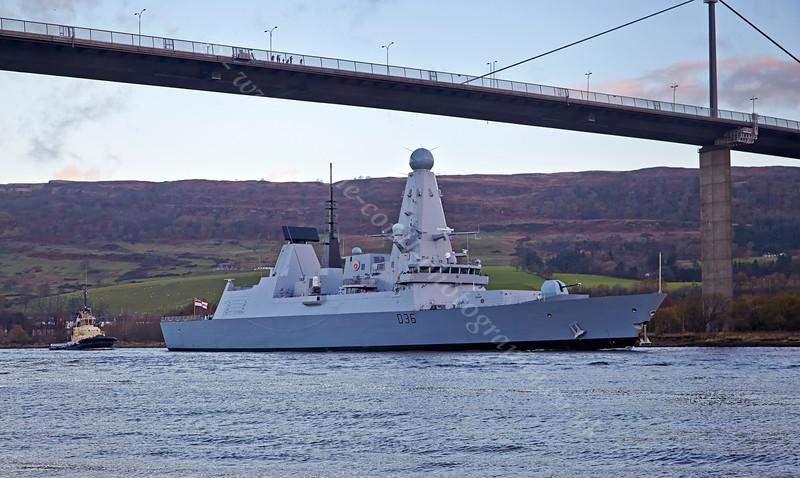 'HMS Defender' at  KGV Docks - 29 November 2013
