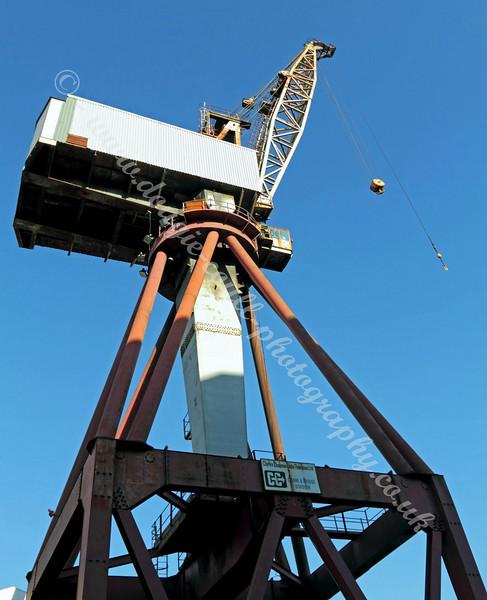 Shipyard Crane - 11 October 2010