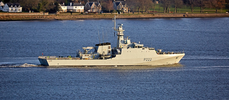 HMS Forth (P222) off Langbank - 3 December 2017