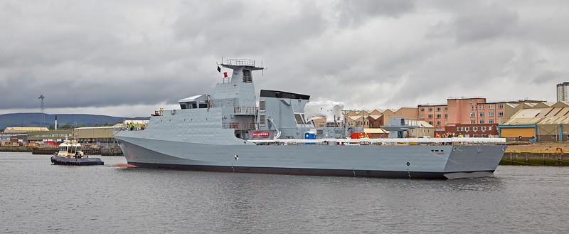 'HMS Forth' (P222) passing Braehead - 21 August 2016