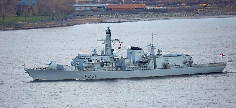 'HMS Argyll' (F231) off Langbank - 10 March 2015
