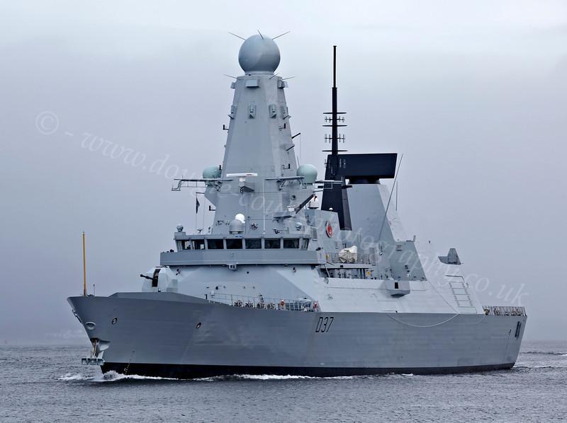 HMS Duncan on Second Sea Trials - Passing Port Glasgow - 16 November 2012