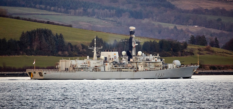 HMS Westminster (F237) off Kilcreggan - 30 November 2017