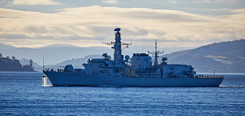HMS Richmond (F239) off Cove - 25 November 2016