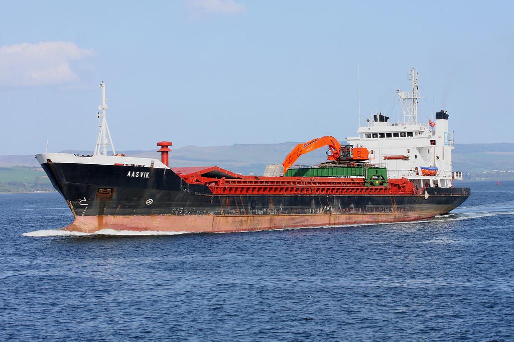 AASVIK, Flag: Gibraltar, 3,088 GRT, River Clyde April 2011