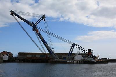 Cranes, Platforms & Rigs