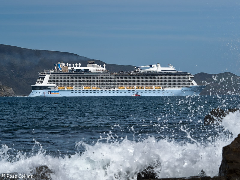 'Ovation of the Seas' departure from Wellington, 18 March 2018