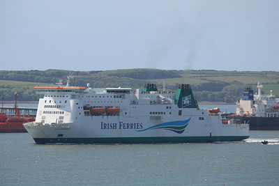 ISLE OF INISHMORE IMO:9142605 34031gt - Passing Milford Haven 19.05.11