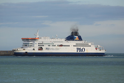 PRIDE OF KENT IMO:9015266 30635gt - Arriving @ Dover 11.10.11