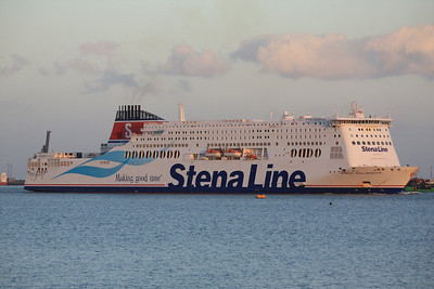 STENA HOLLANDICA IMO:9419163 64039gt - On final approach to Harwich 05.09.12