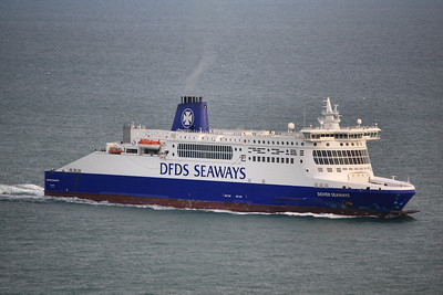 DOVER SEAWAYS IMO:9318345 35923gt - Approaching Dover 13.10.11