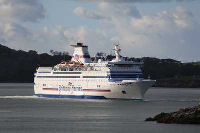 BRETAGNE IMO:8707329 24534gt - Departing from Plymouth 08.11.09