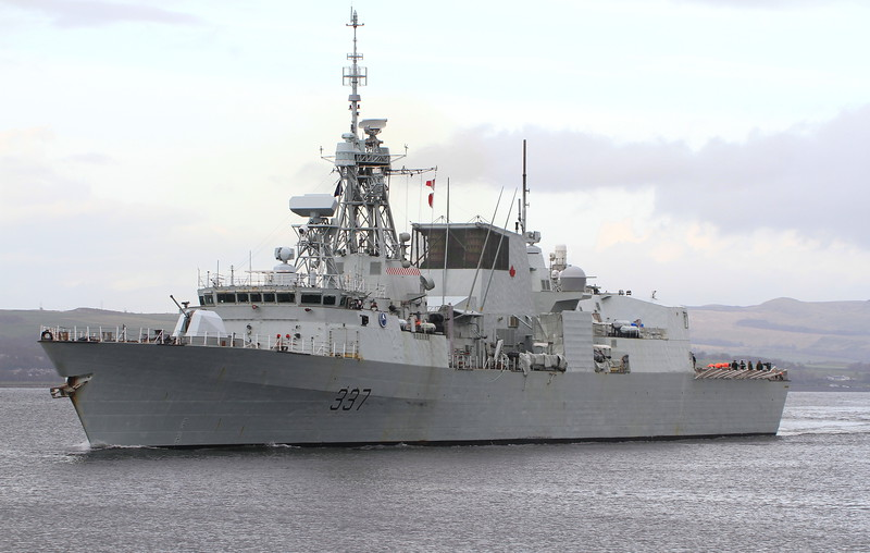 FFH-337 HMCS FREDERICTON, Canada, River Clyde April 2014