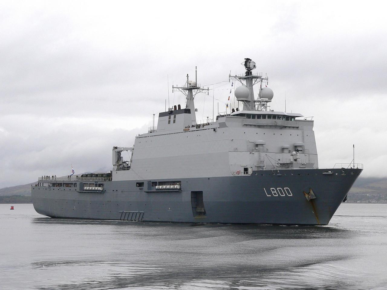 L-800 HrMs ROTTERDAM