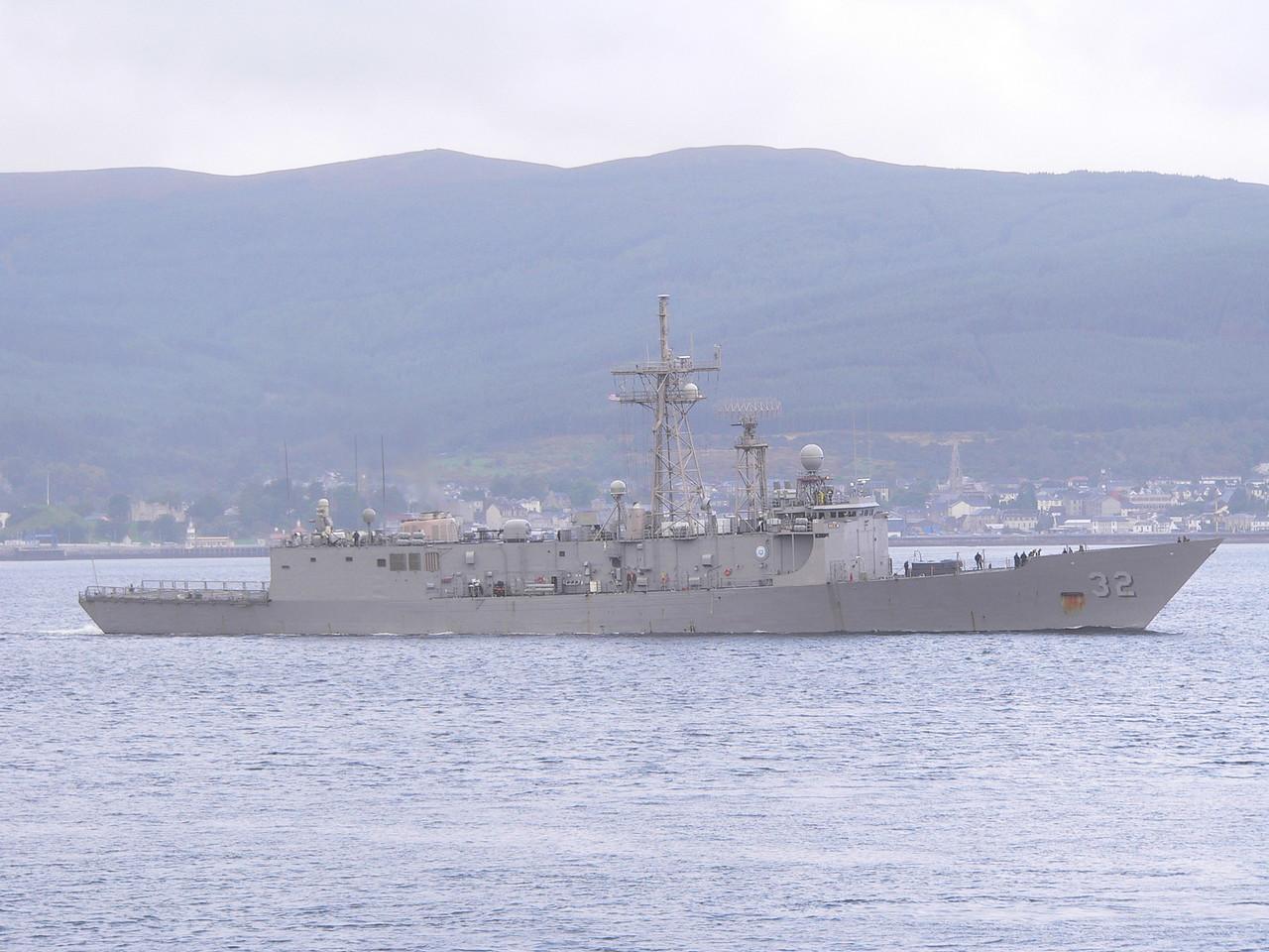 FFG-32 USS JOHN L HALL