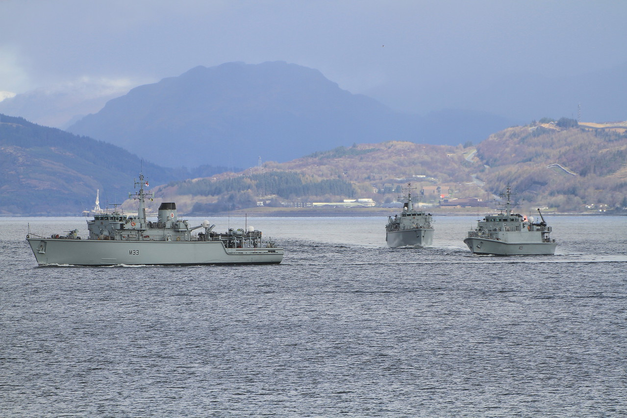 M-33 HMS BROCKLESBY, M-39 HMS HURWORTH, M-109 HMS BANGOR