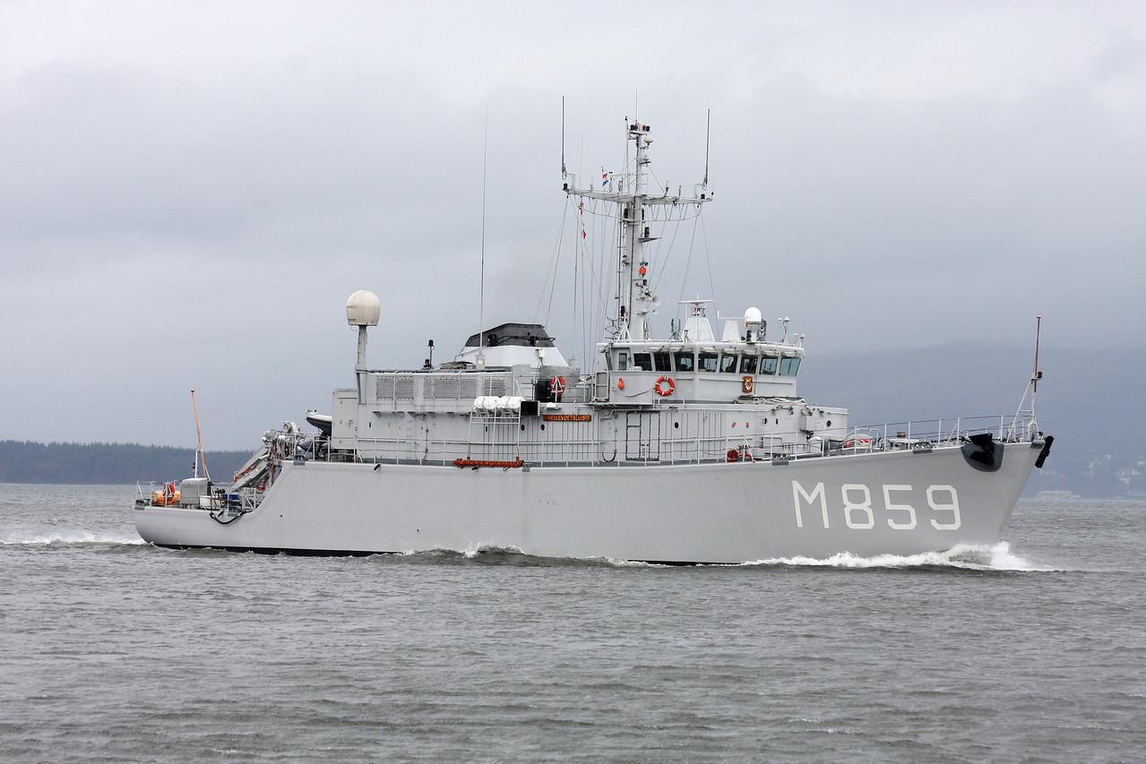 M-859 HrMs HELLEVOETSLUIS