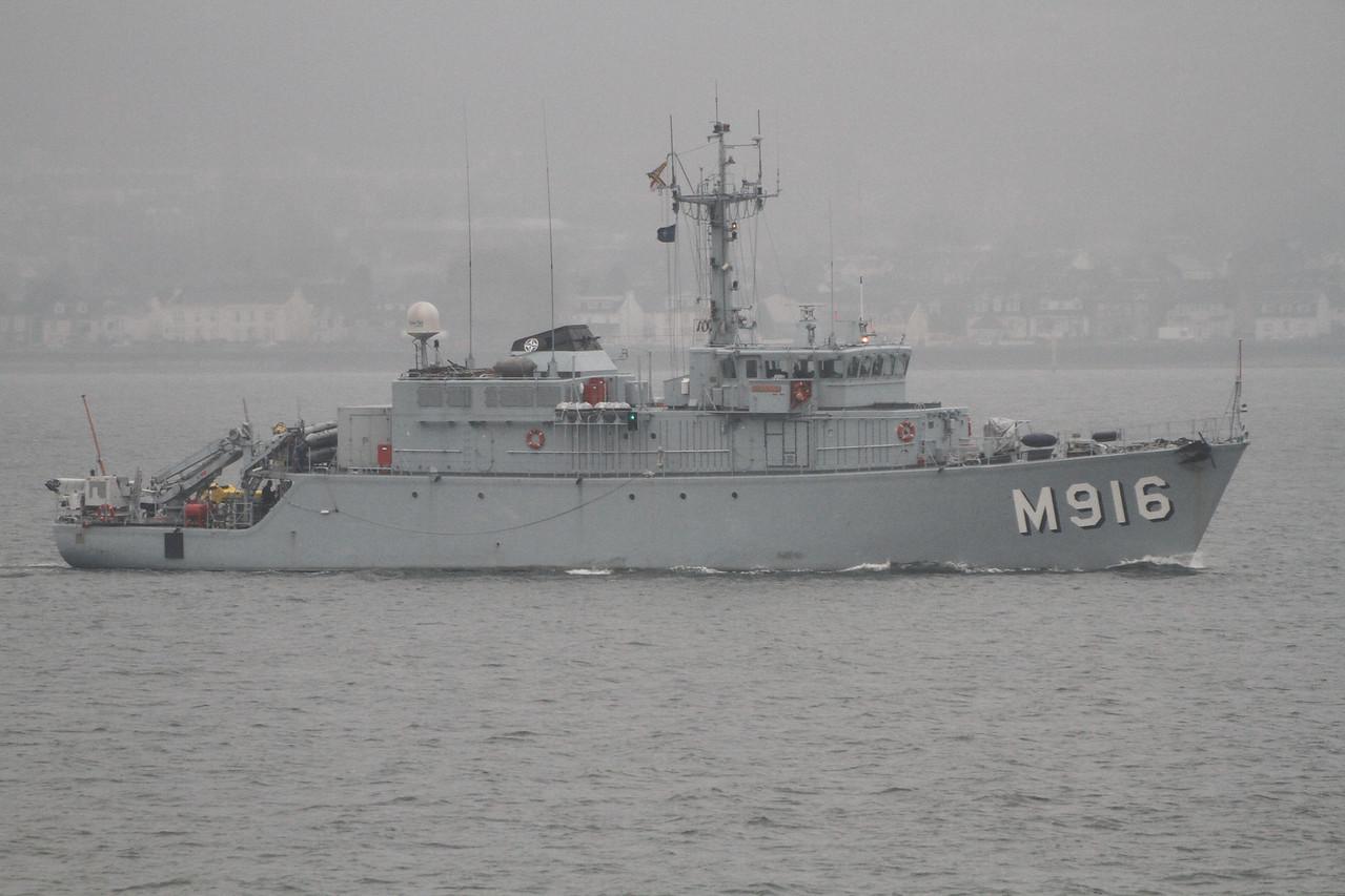 M-916 BNS BELLIS