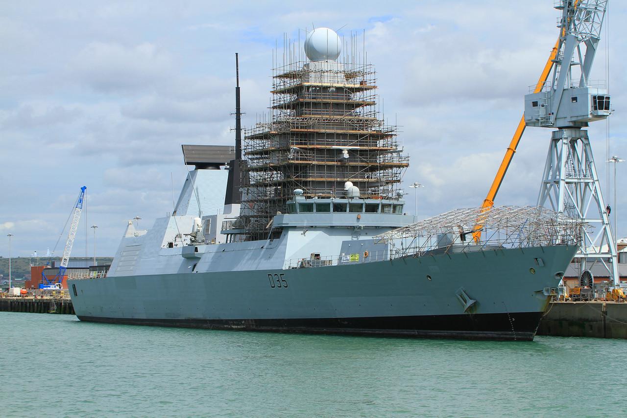 D-35 HMS DRAGON