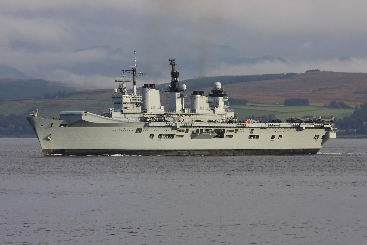 R-06 HMS ILLUSTRIOUS