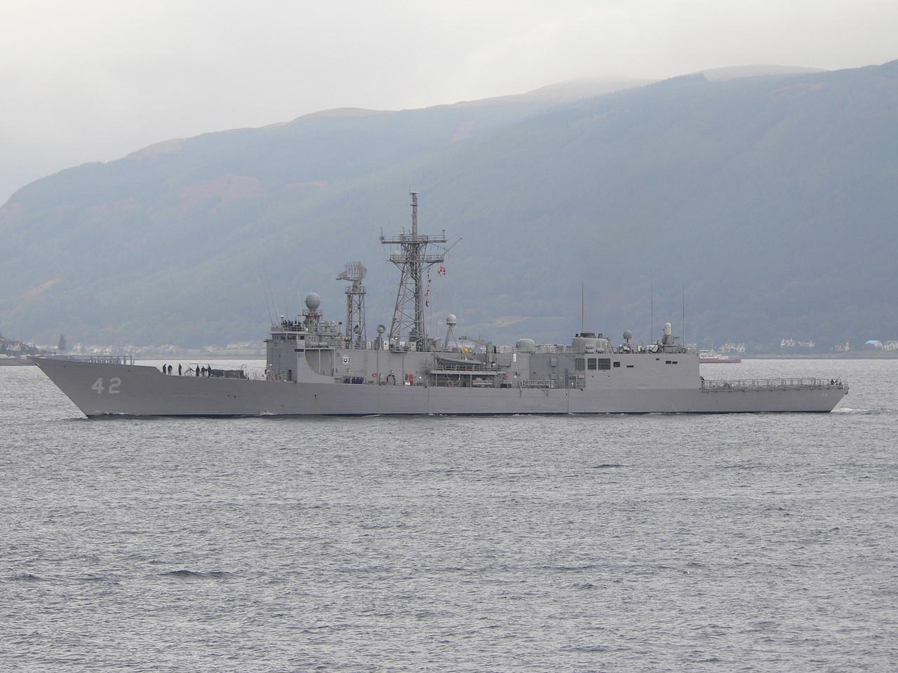 FFG-42 USS KLAKRING