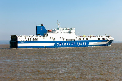 Grimaldi Lines' EUROCARGO BARI, IMO9471082 arrives at Portbury from Salerno with a cargo of vans. Tuesday 1st July 2014.