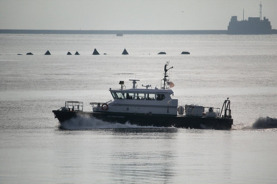 SD TAMAR SPIRIT - Heading through Plymouth Sound 22.11.10