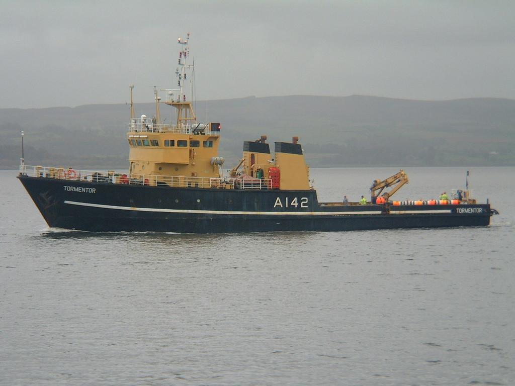 A-142 TORMENTOR, River Clyde October 2004