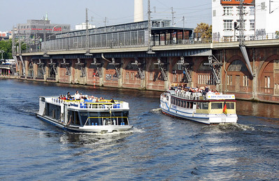 SPREE-DIAMANT passing ALEXANDER.